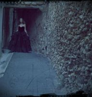 Persephone et les Murs. by nymphs-and-the-wolf