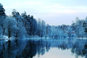 Winter lake by Isakow