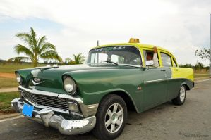 Cuban Taxi by KeenPhotography