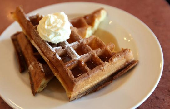waffle with maple syrup.. by jeffzz111