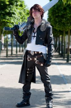 Squall Leonhart - Full View by SketchMcDraw