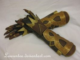 Tira SC4 gloves by Laurentea