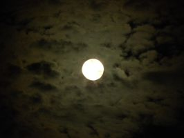 Moonlight through the clouds by Cassini90125