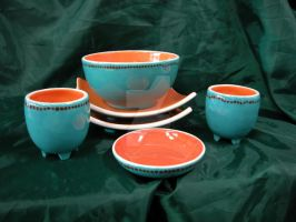 Picnic Dishes Set Together by KatarniaHolbart