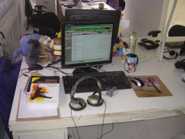 My Desk by RockDanX