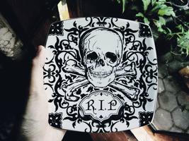 Halloween plate? by fatal-complexes