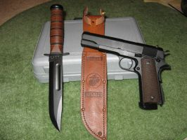 1911a1 and Ka-Bar by 4WD