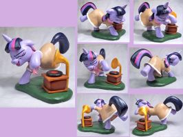 Dancing Twilight Sculpt by CadmiumCrab