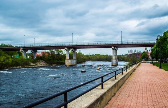 Merrimack river, Manchester NH by fearles357
