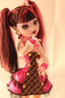 MONSTER HIGH Draculaura 2 by Gantaloupe