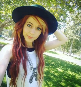 Lindsay Stirling stares, you fall... by Swagsurfer