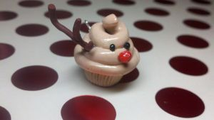 Reindeer Cupcake by kitty25kit
