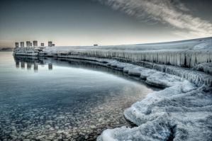 Frozen Pier by nickhanson