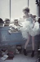 Reading is a Fashion by AnnaVerre