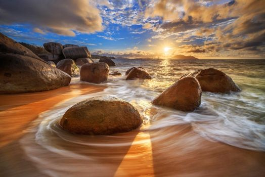 Rock Beach by itchy007