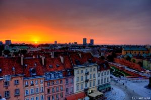 Sunset over Old and New Warsaw by adamsik