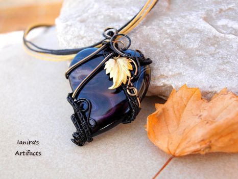 Black Agate heart pendant by IanirasArtifacts