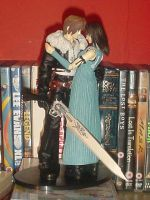 Rinoa and Squall Play Arts by DanteDelacoix