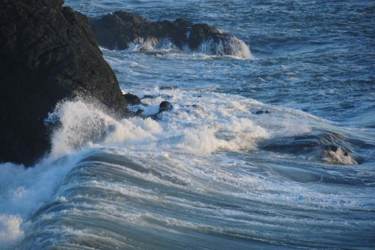 Incoming Waves by RayMackenzie
