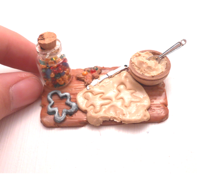 Miniature cookie preparation plate by MiniSweetx
