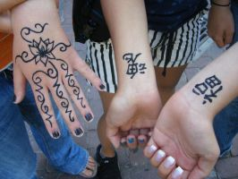 Henna Tattoos by RoxyRoxas