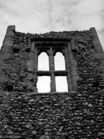 Ruin Window by Seigneur-Hellequin