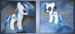 Vinyl Scratch custom with magnetic glasses by Alipes