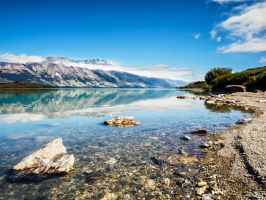 Lake Wakatipu by wolfblueeyes