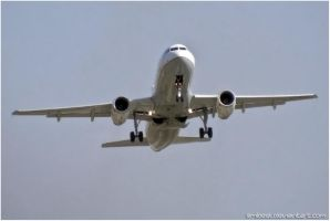 Airbus A320-232 by eMBeeL