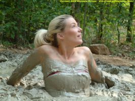Jen in quicksand 59 by kaolumbia