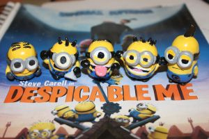 Despicable minions by k-cruz-c-pura