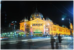 Flinders St Station by andrearossi