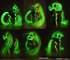 Glowing Muertella by Roogna