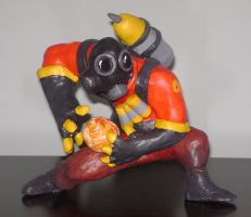 TF2 Pyro - Painted by eFFl
