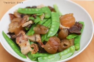 Snap peas with sea cucumber by patchow