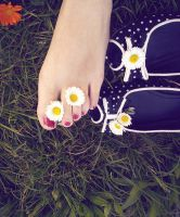 Daisies - pt. I by androfobica