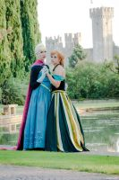 The queen and the princess of Arendelle by Achico-Xion