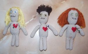Voodoo Dolls by ladytech