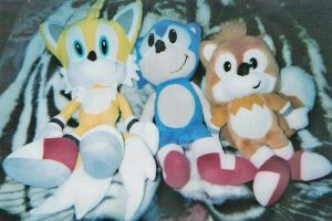 Sonic and Tails Plushies by TigerWithWings