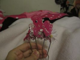 a pinkiepie hair piece that i made myself by chappy-rukia