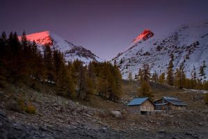 Incredible Light over Allos by vincentfavre
