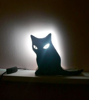 Black Cat lamp by Flammchen