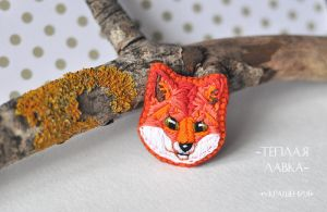 Fox brooch by warmstore