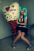 Bee My Valentine? , Love Miku by b0wtieman