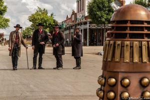 High Noon of the Daleks by JZLobo