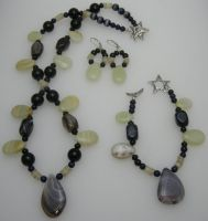 Onyx Delight necklace set by DAnnsCreations