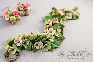 Bracelet with flowers from polymer clay by polyflowers