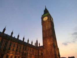 Big Ben at nightfall by SquigglyButterfly