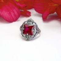 Vintage Ruby Ring by Gweyeni