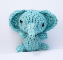 Knit Elephant by tinyowlknits